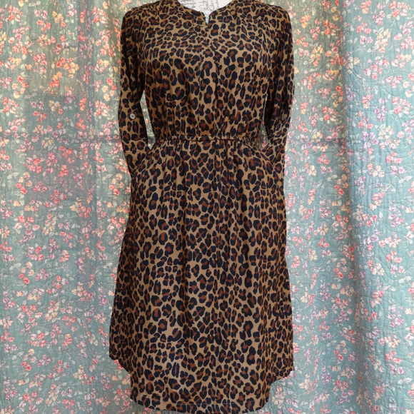 8b567aabef87 Old Navy leopard print dress in size small. M 5ad3ab383afbbdce103133f1